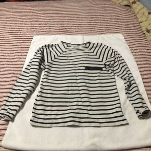 Zara Basic T-shirt. White w/black stripes. Size S